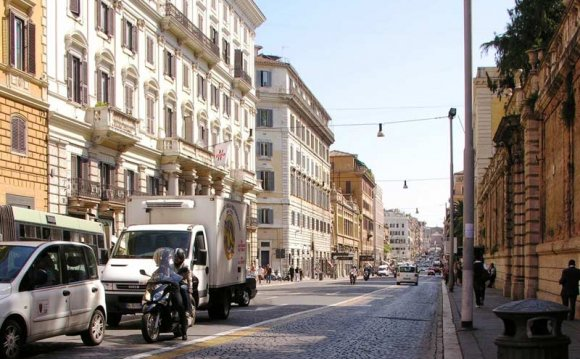 Shopping-in-rome-Via-Nazionale